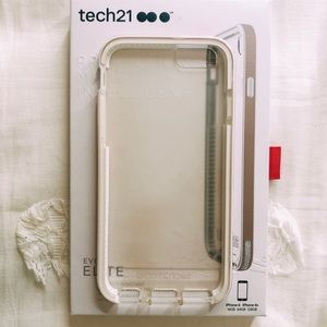 Tech21 case iphone 6/6s clear with rose gold trim